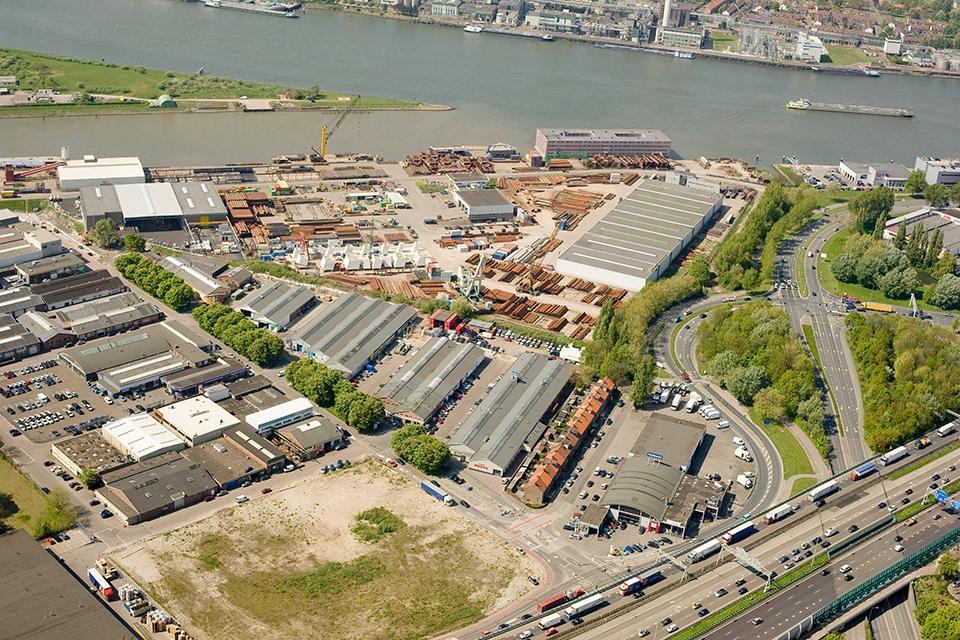 Bedrijfsruimte van ca. 341 m2 verhuurd op bedrijventerrein Louterbloemen